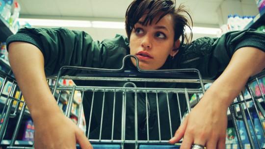 TIGER GIRL: 1eres images du nouveau film de la révélation Jakob Lass, sélectionné à la Berlinale